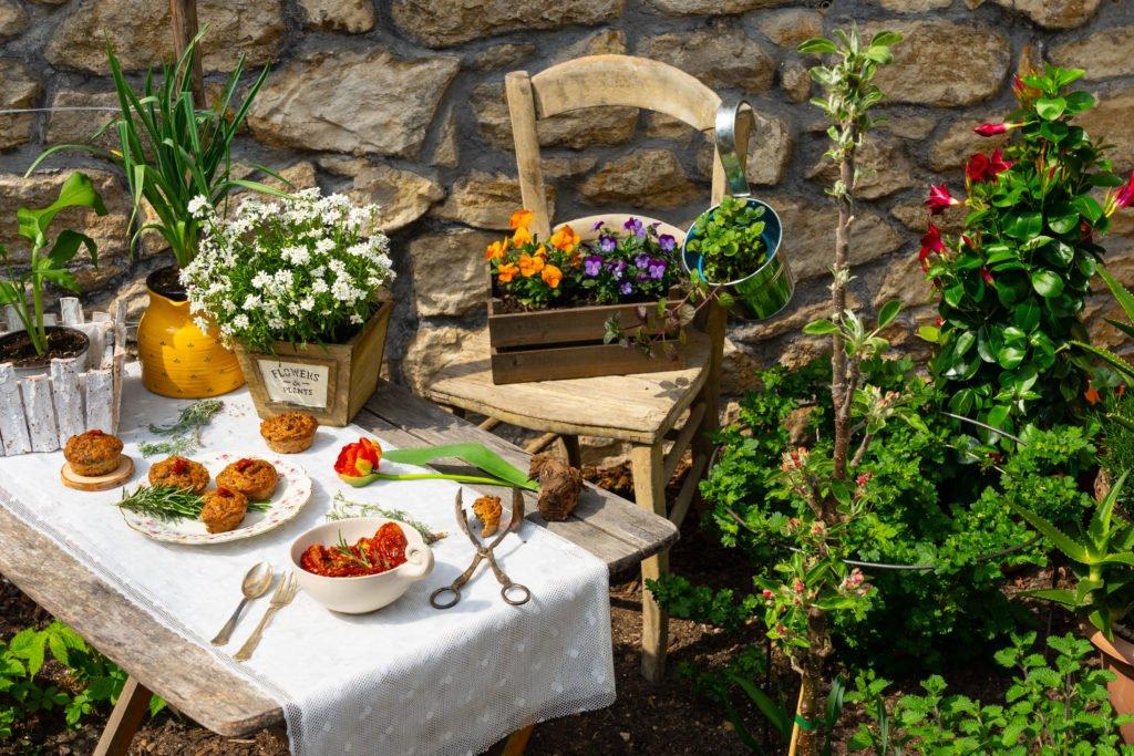 buffet-fuer-mensch-und-insekten