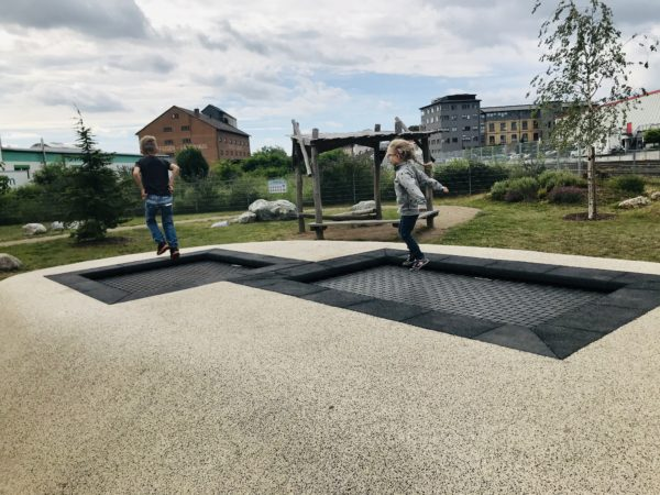 trampolin-alla-hopp-anlage-gruenstadt