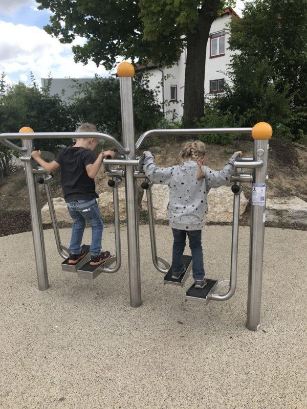 kinder-auf-walker alla hopp anlage grünstadt