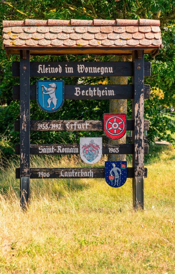 Schild am Ortseingang Bechtheim